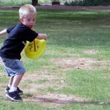 kidfrisbee
